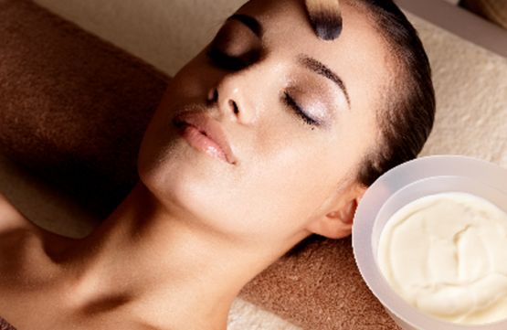 75-Minute Customised Facial for 1 Person (1 Session) at Glow Couture