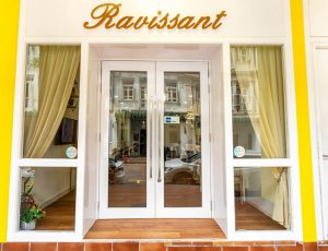 Relaxing Spa Scalp Treatment at Ravissant Hair Studio