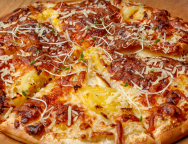 Herbs Tomato Pizza Topped with Mozzarella, Cheddar Cheese & Ext Virgin Olive Oil at Double Durian