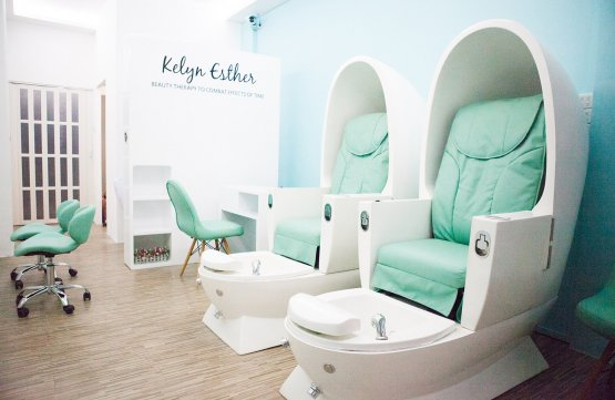 Classic Gel Manicure + Organic Hand SPA + 2 Tone + 4 Fingernails Art (60mins) at Kelyn Esther