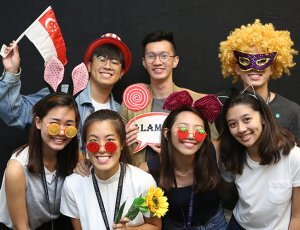 3-Hours Photo Booth Service with Prints and Props