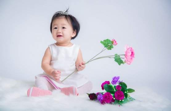 1 Hour Baby Studio Photography (For 1 baby aged 3 to 24 months)