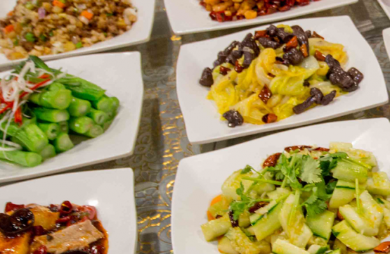 4 Pax + 1 Pax Free: Daily Ala Carte Dinner Buffet for 5 People at Big and Small Restaurant